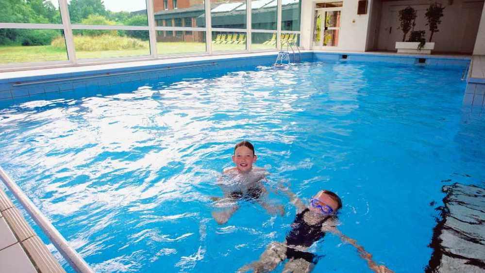 DÜNENHOF Schwimmbad Kinder